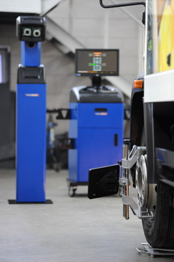 Aparat pentru verificarea si reglarea geometriei directiei la camioane, autobuze, remorci, semiremorci, autoturisme si autoutilitare Techno Vector 7 Truck